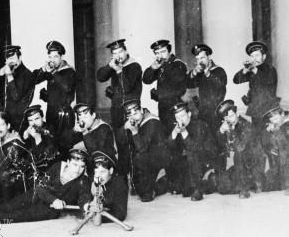 kronstadt-sailors