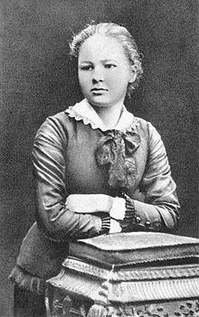 Marie Sklodowska (in seguito Curie)  16 anni