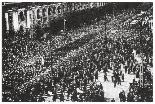 L'arrivo dei marinai di Kronstadt a Pietrogrado